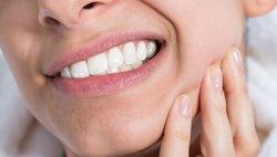 Аллергия на коронки из металла и металлокерамики: жжение во рту и другие симптомы. Что делать?