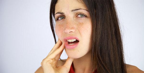 Болит зуб после лечения пульпита медицина швы после операции в слизистой человека